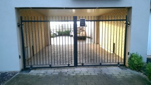 Metal Gates (12)