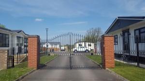 Metal Gates (14)