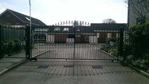 Metal Gates (17)