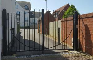 Metal Gates (20)