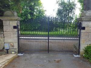 Metal Gates (22)