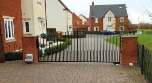 Metal Gates (24)