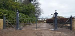Metal Gates (26)