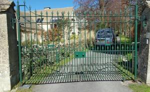 Metal Gates (3)