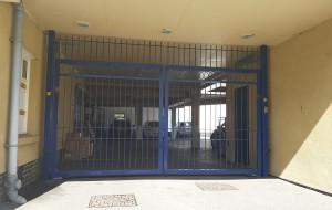 Metal Gates (4)