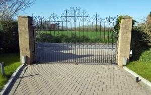 Metal Gates (5)