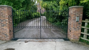 Metal Gates (9)