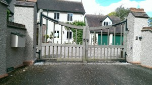 Wooden Gates (21)