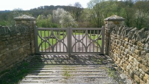 Wooden Gates (24)