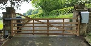 Wooden Gates (41)