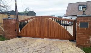 Wooden Gates (73)