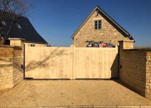 Wooden Gates (79)